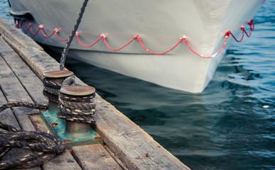 mooring boats to berth