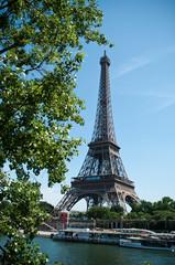 tour Eiffel en bord de Seine