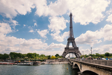 Eiffel Tower and Senna river.