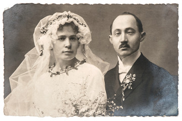 vintage wedding photo. funny just married couple