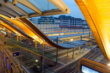 Fotobehang Treinstation Bahnhof Bern