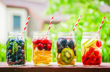 Detox water cocktail