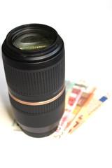 Tele-Zoom Lens With Money