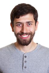 Passfoto eins jungen Mannes mit Bart