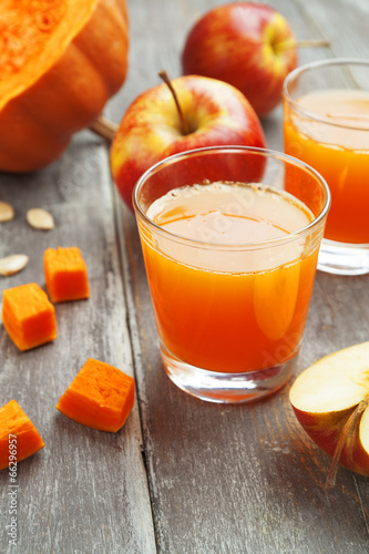 """Juice of apples and pumpkins"" Stok Gorseller ve Telifsiz gorseller Fotolia.com 'da - Fotograf 66296957"