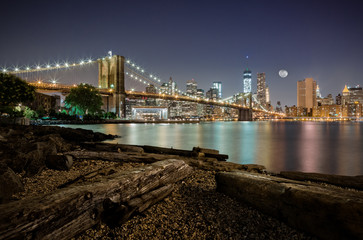 Spoed Foto op Canvas New York City Dumbo after midnight