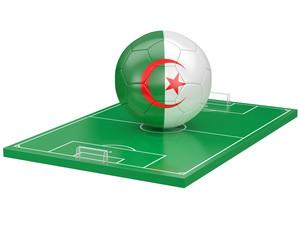 Ballon Algerie sur terrain de football