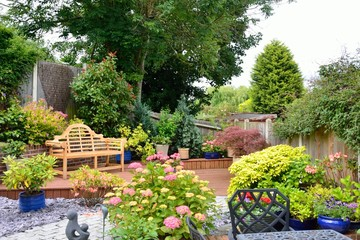 Printed kitchen splashbacks Garden Small pretty english garden