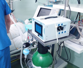 Modern equipment in the ICU and work with the patient
