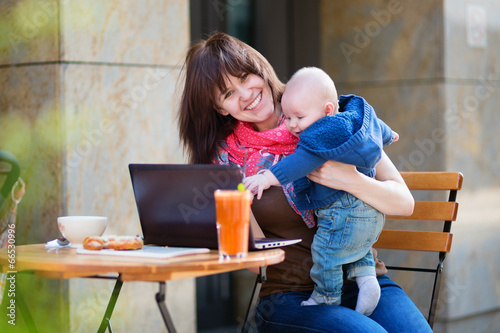 speed single parents Single parents dating the single mums and single dads single parents dating site was created to help single parents meet other like minded singles we have loads of single men and single women who all understand just how it is being a single parent.