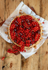 cheesecake with red currant and gooseberry