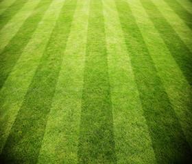 Fussballfeld mit Streifen