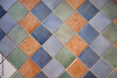 Sfondo di piastrelle colorate martellata u foto stock