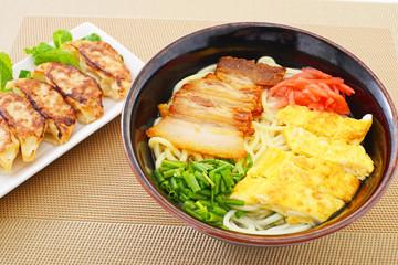 沖縄そばと餃子