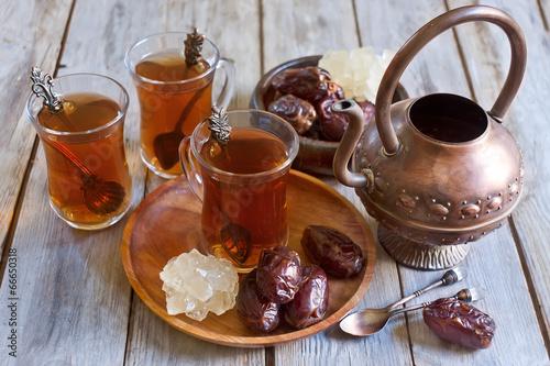 хлеб чай кружка чайник масло  № 2118820 загрузить