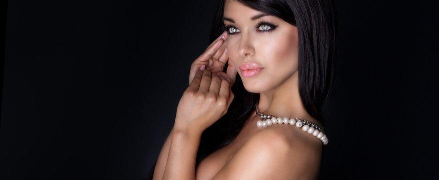 Beauty portrait of elegant woman