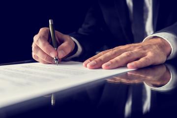 Obraz Signing legal document - fototapety do salonu