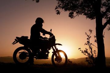 motorsiklet ile doğa gezisi