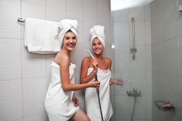 Две девочки в душе фото фото 755-22