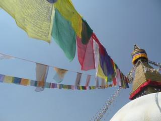 Fahnen an Stupa