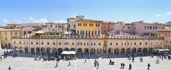 Ascoli Piceno - The main square, Piazza del Popolo