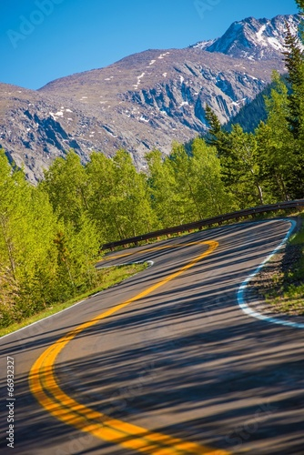 Wall mural Curved Colorado Mountain Road