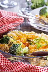 Pasta, broccoli and cheese sauce