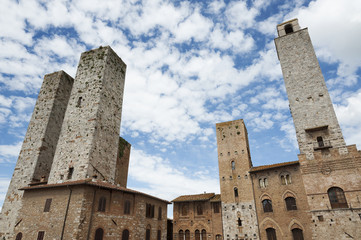 Fototapete - Bell Tower in San Gimignano, Tuscany, Italy