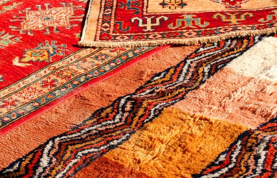 precious Middle Eastern rugs Handmade wool for sale in the antiq