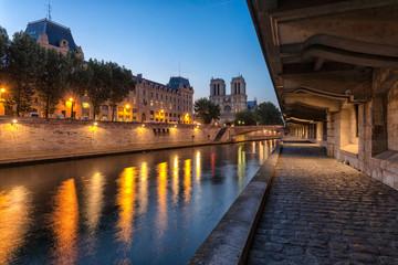 Sunrise on Notre Dame