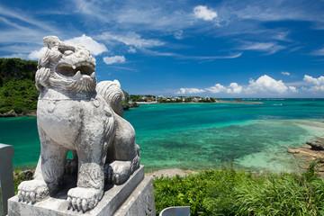 沖縄の海・海とシーサー