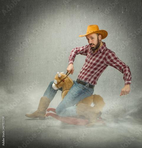 cow boy riding horse图片