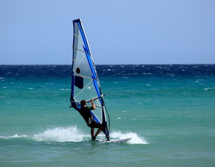 windsurfer aux canaries