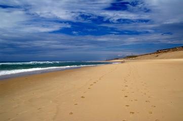 Wolken, Strand und Wellen in Lacanau Ozean 8