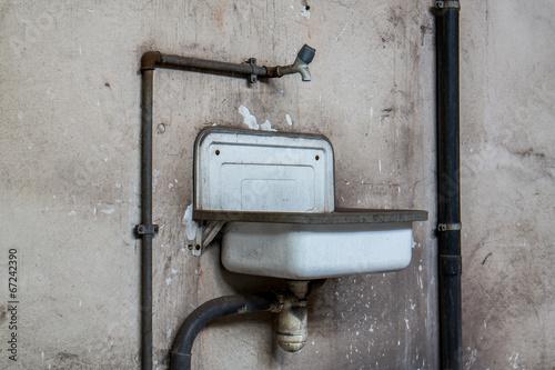 Waschbecken Emaille : Quot ddr emaille waschbecken stockfotos und lizenzfreie