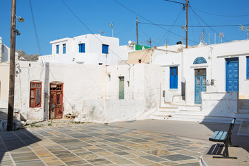 Fototapete - Marktplatz auf der Insel Serifos auf den Kykladen in Greece.