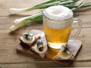 beer with appetizer