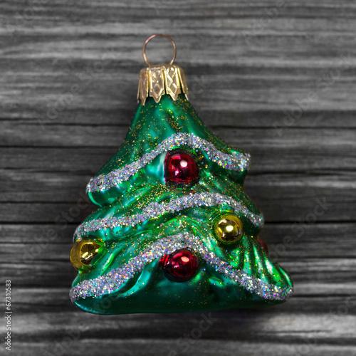 Gr ner tannenbaum als dekoration baumschmuck - Tannenbaum dekoration ...