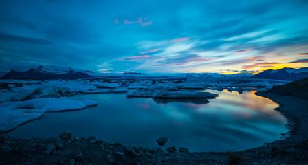 Jökulsárlón - Bucht mit Eisbergen - Gletscher