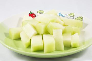 Cutting cantalup
