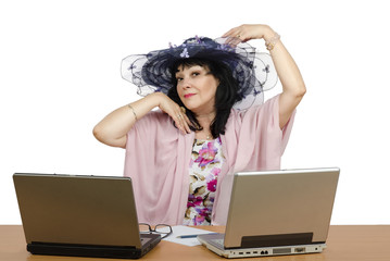 Dating agent enjoy working online