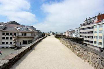 ciudad de lugo desde su muralla