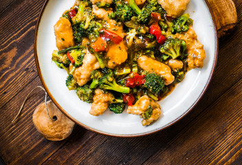Chicken breasts in soy sauce and stir-fry vegetables
