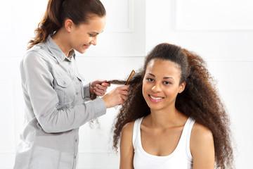 Kobieta u fryzjera
