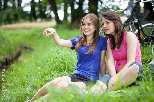 photo of girls преводач № 33322