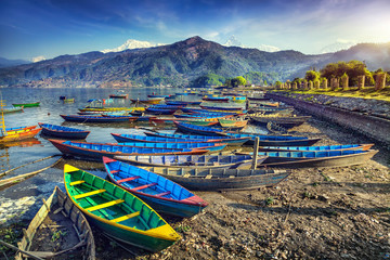 Photo sur cadre textile Népal Boats in Pokhara lake