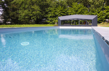 swimming pool to summer with sun