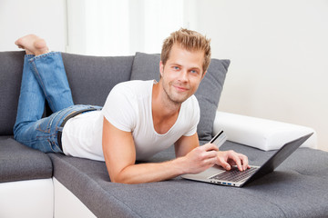 Online shopping from the confort of your home