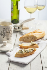 Blue cheese on toast with white wine