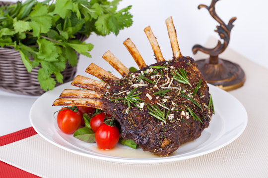 rack of lamb with tomatoes